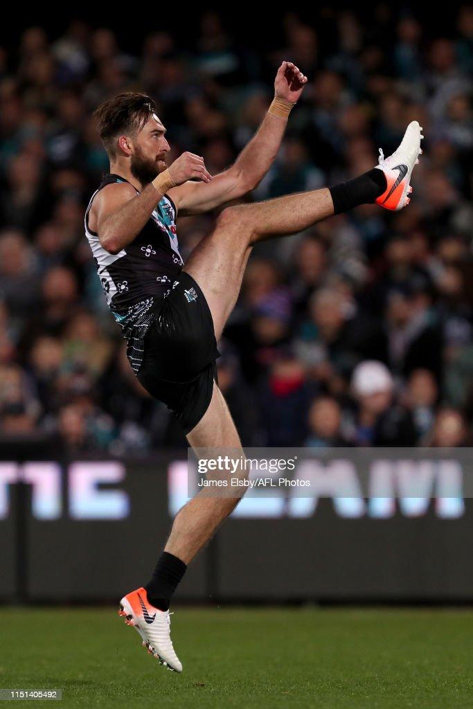 AFL Rd 14 - Port Adelaide v Geelong : News Photo