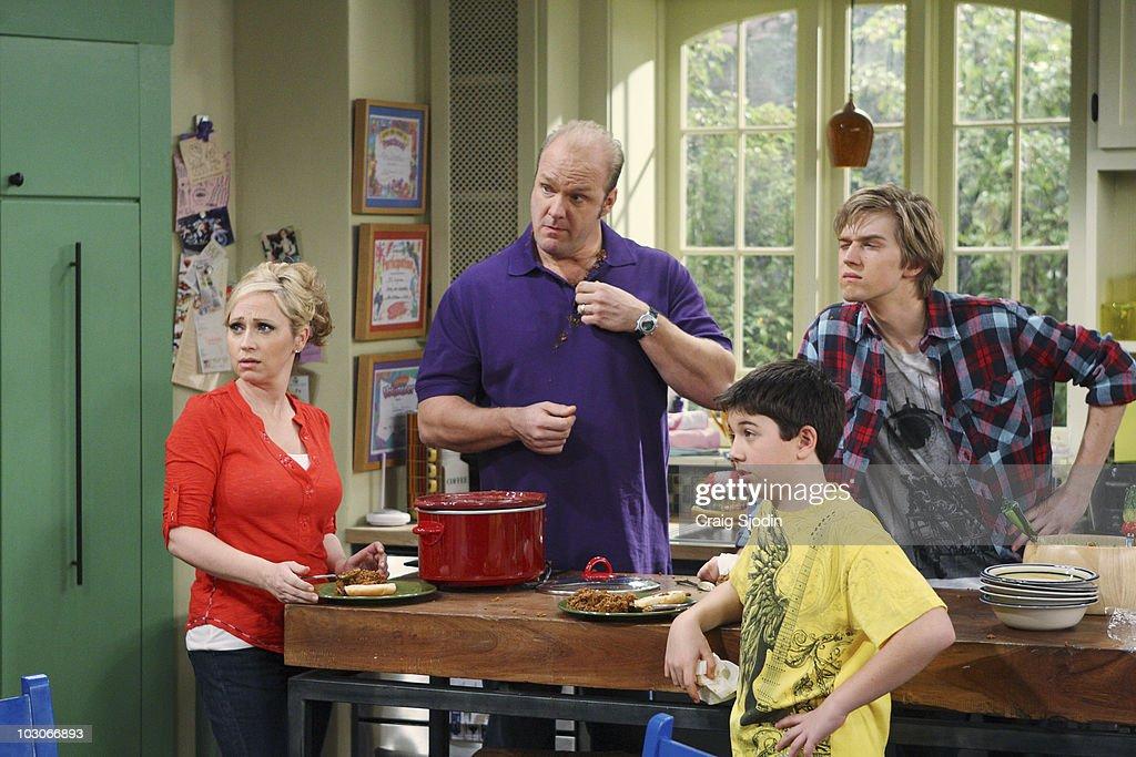 "Disney Channel's ""Good Luck Charlie"" - Season One : News Photo"