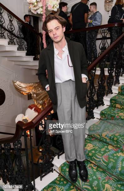 Charlie Heaton attends the GQ Drinks during London Fashion Week Men's January 2019 at Annabel's on January 7, 2019 in London, Englan