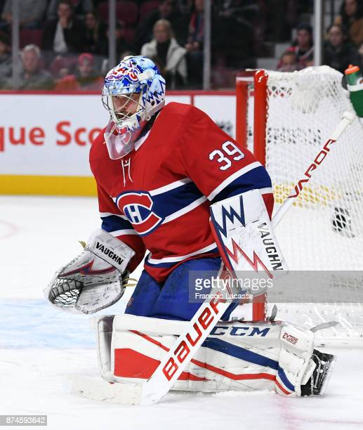 Charlie Lindgren of the Montreal Canadiens defends the goal against the Vegas Golden Knights in the NHL game at the Bell Centre on November 7 2017 in...