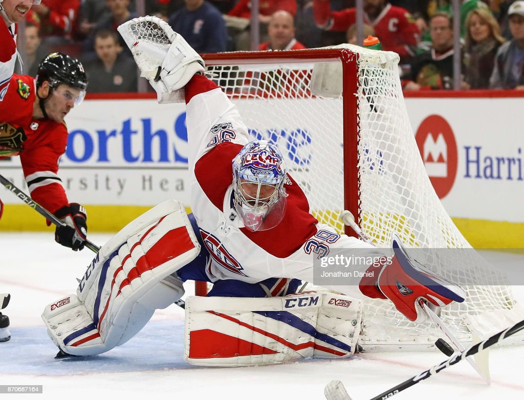 Charlie Lindgren #39 of the Montreal Canadiens makes a save against the Chicago Blackhawks at the United Center on November 5, 2017 in Chicago, Illinois.