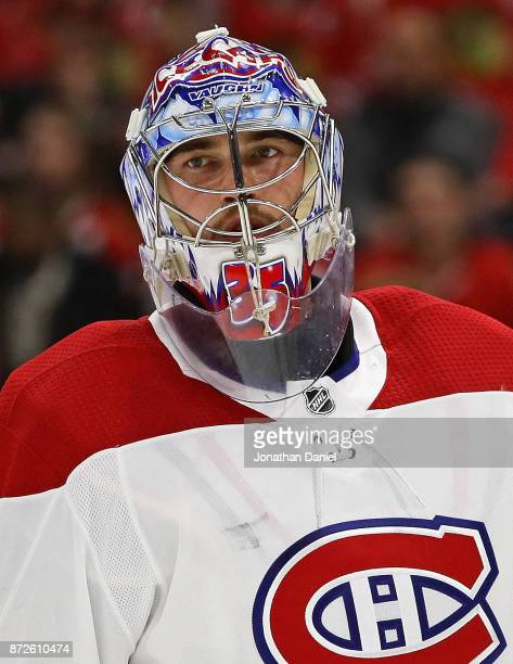 Charlie Lindgren of the Montreal Canadiens rests during a time out against the Chicago Blackhawks at the United Center on November 5 2017 in Chicago...