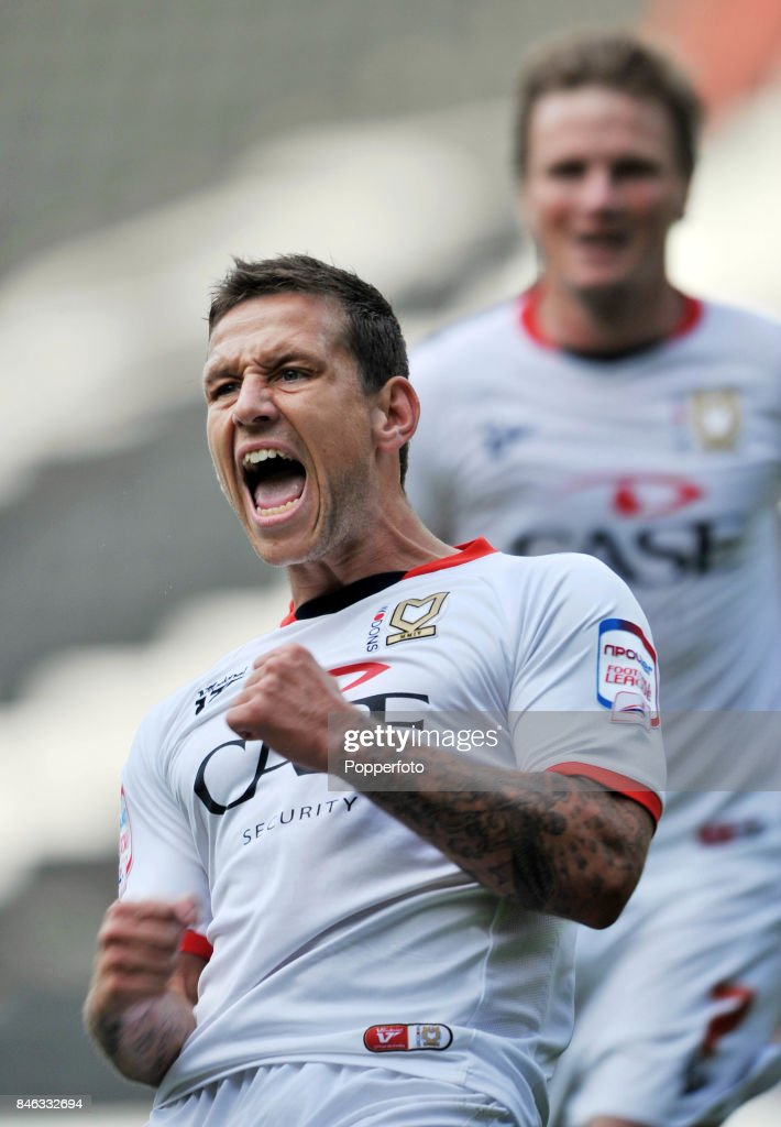 MK Dons v Yeovil Town - Npower League One : News Photo