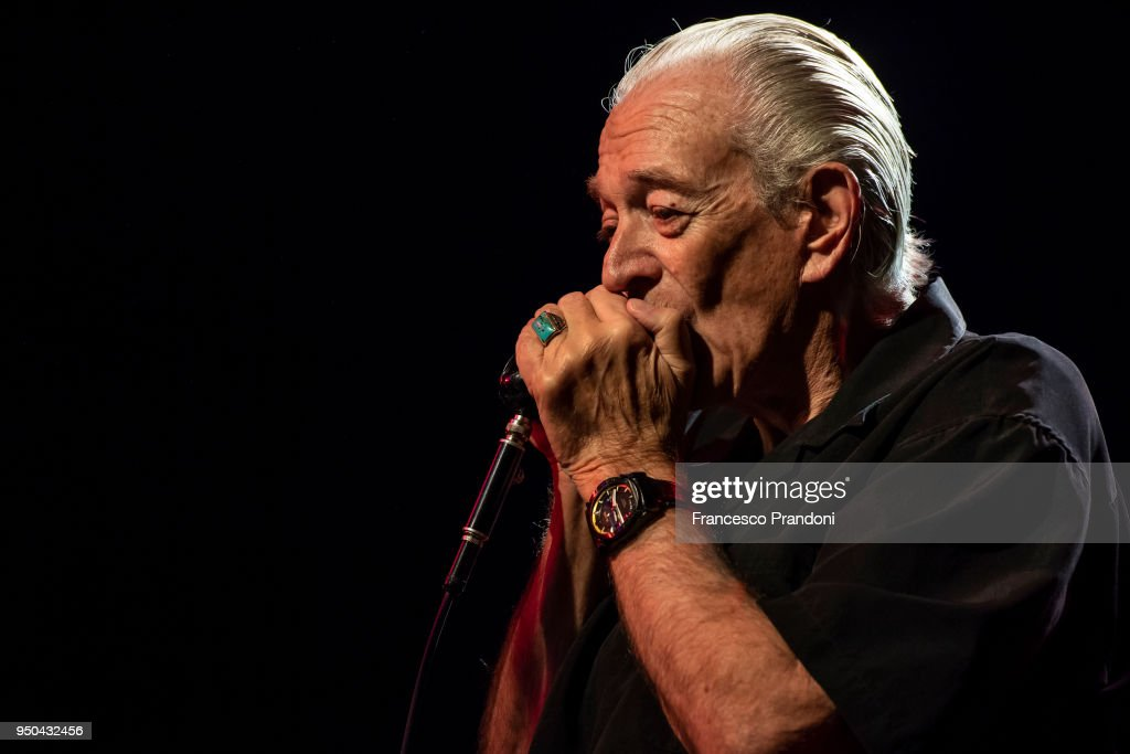 Ben Harper And Charlie Musselwhite Perform In Milan