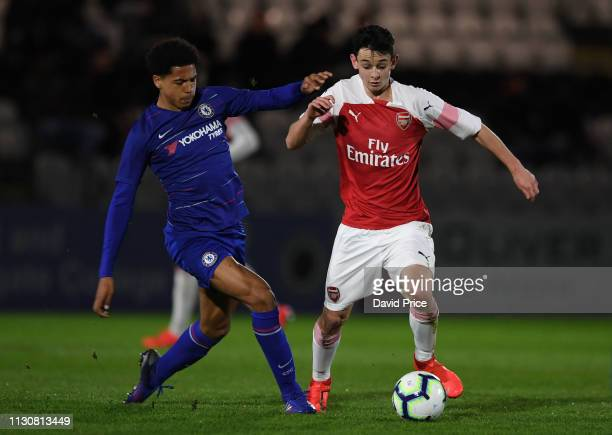 Charlie Patino of Arsenal takes on Levi Colwill of Chelsea during the match between Arsenal U16 and Chelsea U16 at Meadow Park on March 15 2019 in...