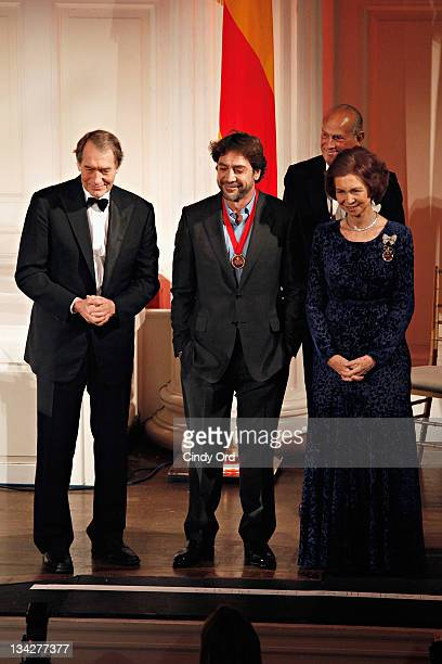 Charlie Rose Javier Bardem and Queen Sofia of Spain attend the 2011 Queen Sofia Spanish Institute Gold Medal Gala at the Queen Sofia Spanish...