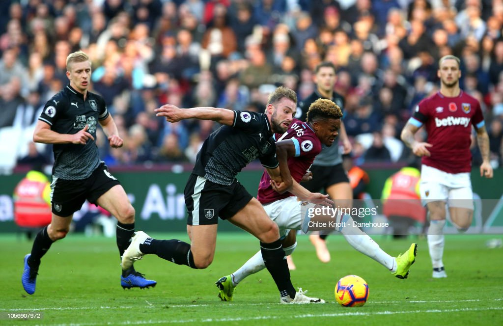 West Ham United v Burnley FC - Premier League : News Photo