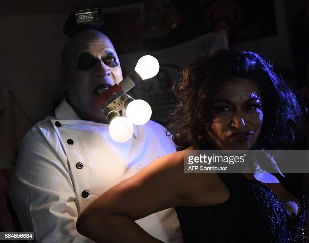 Charlie Uncle Fester performs during the tryouts for the queen of the Pasadena's famous DooDah Parade in Pasadena California on October 21 2017 The...