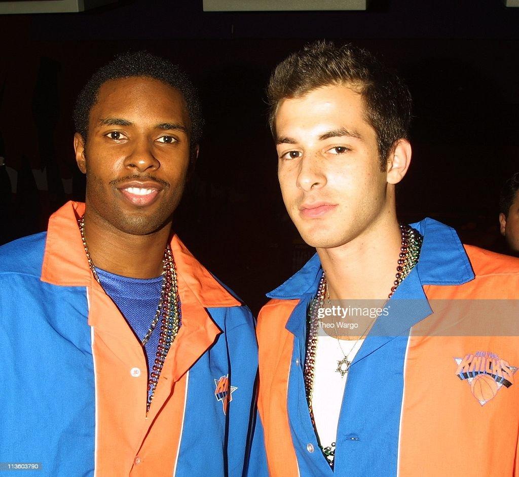 Knicks Bowl 2001 : News Photo
