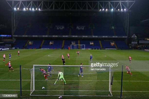 Charlie Wyke of Sunderland scores the opening goal during the Sky Bet League One match between Ipswich Town and Sunderland at Portman Road on January...