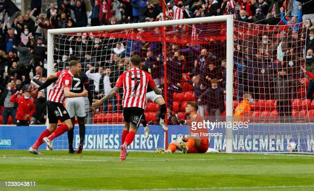 Charlie Wyke of Sunderland scores the second goal and celebrates during the Sky Bet League One Play-off Semi Final 2nd Leg match between Sunderland...