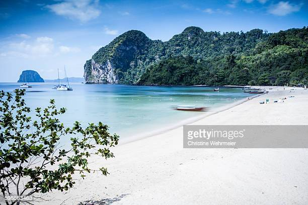charlies beach, ko muk - christine wehrmeier stock pictures, royalty-free photos & images