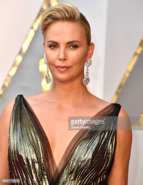 Charlize Theron arrives at the 89th Annual Academy Awards at Hollywood & Highland Center on February 26, 2017 in Hollywood, California.