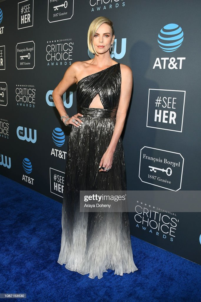 Claire Foy Accepts The #SeeHer Award At The 24th Annual Critics' Choice Awards : News Photo