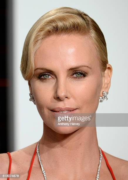 Charlize Theron attends the 2016 Vanity Fair Oscar Party hosted By Graydon Carter at Wallis Annenberg Center for the Performing Arts on February 28...