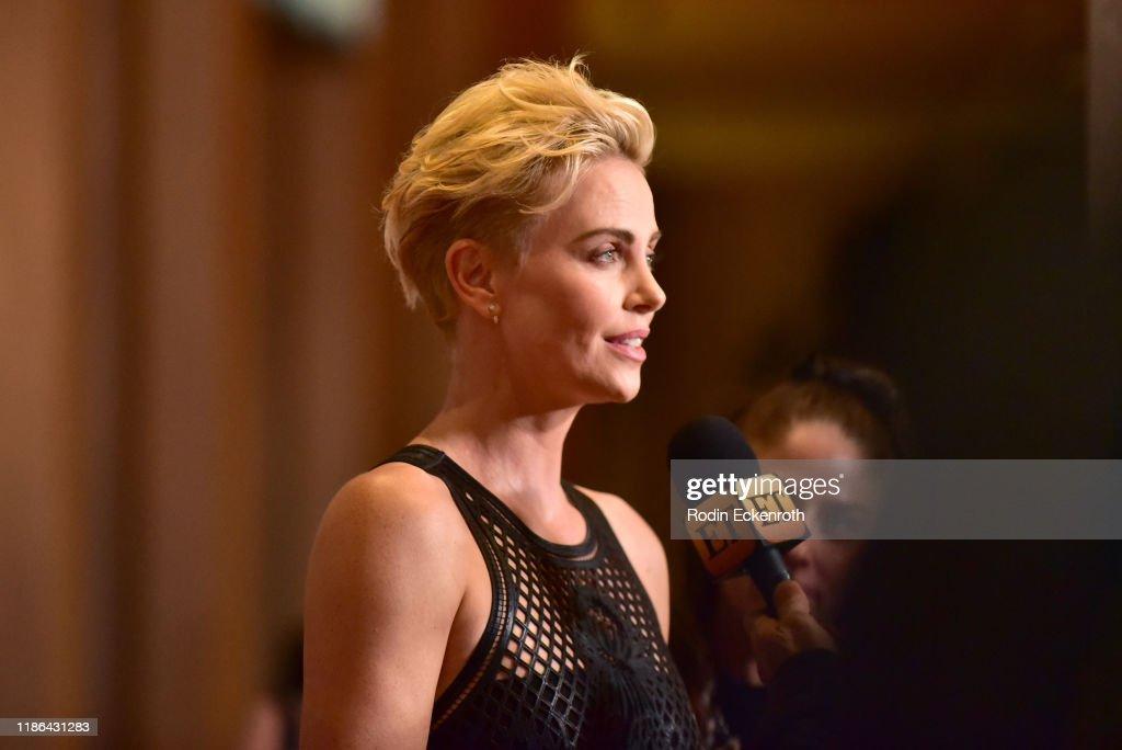 33rd American Cinematheque Award Presentation Honoring Charlize Theron - Arrivals : Fotografía de noticias