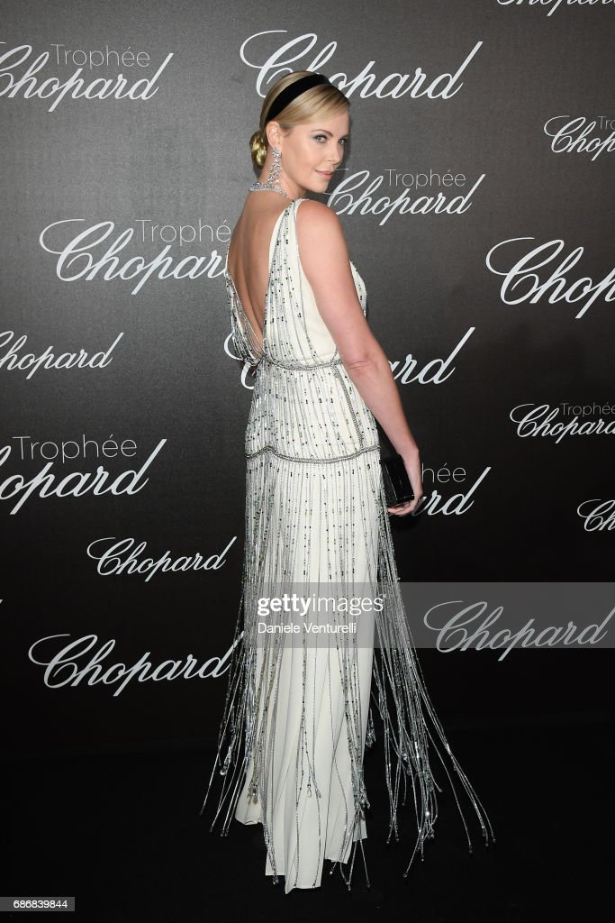 Charlize Theron attends the Chopard Trophy photocall at Hotel Martinez on May 22, 2017 in Cannes, France.