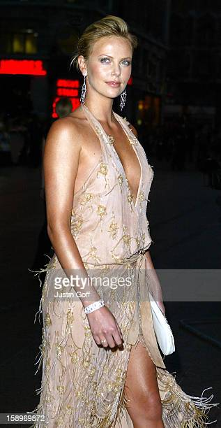 Charlize Theron Attends 'The Italian Job' Premiere In London'S Leicester Square.