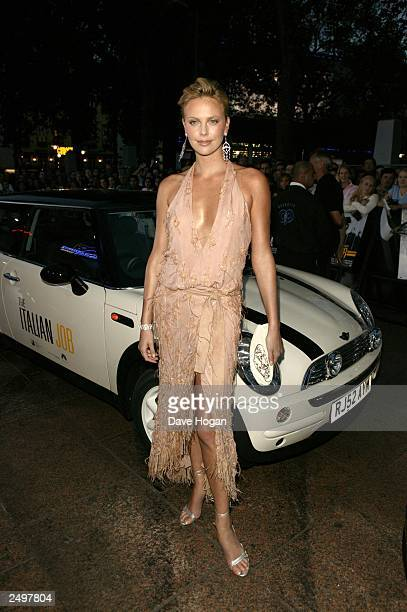 """Charlize Theron attends the UK charity premiere of """"The Italian Job"""" at the Empire, Leicester Square on September 15, 2003 in London."""