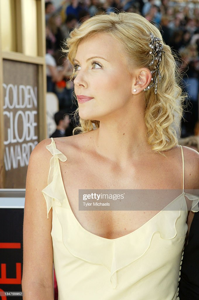 The 61st Golden Globe Awards - Arrivals by Tyler Michaels : News Photo