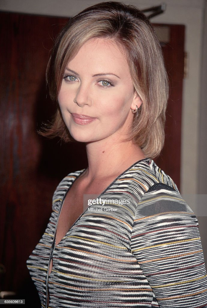 Charlize Theron at Movie Premiere : ニュース写真