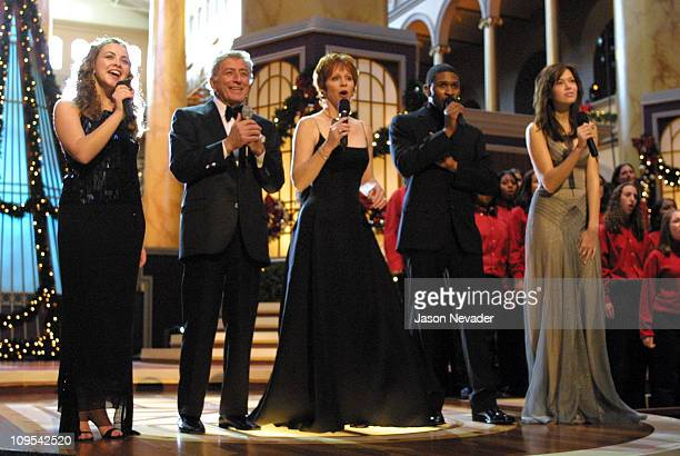 Charlotte Church Tony Bennett Reba McEntire Usher and Mandy Moore perform