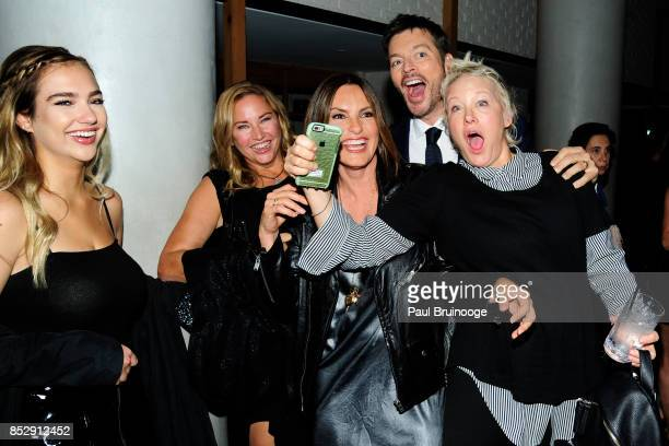 Charlotte Connick Jill Goodacre Mariska Hargitay Harry Connick Jr and Nancy Jarecki attend NBC Vanity Fair host a party for Will Grace at Mr Purple...