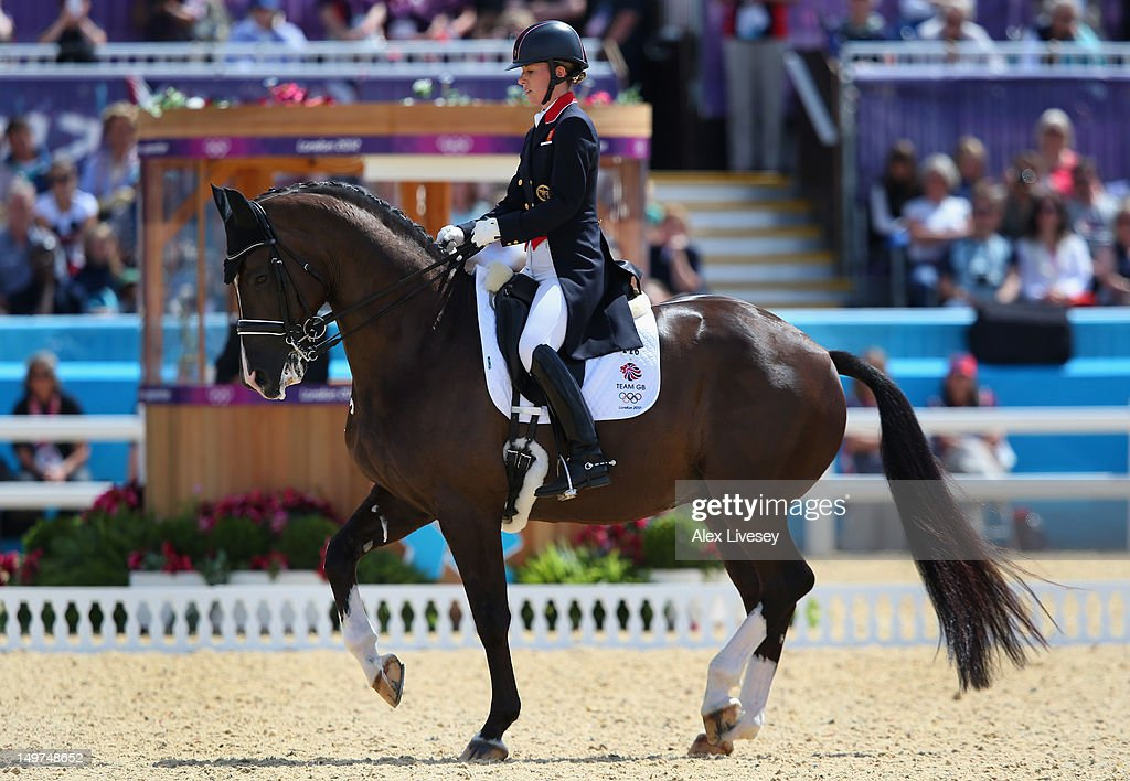 Olympics Day 7 - Equestrian : News Photo