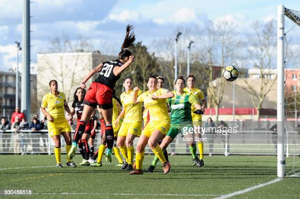 Charlotte Fernandes of FC FLeury tries to score a goal during the French Women Division 1 match between Fleury and Albi on March 11 2018 in Fleury...
