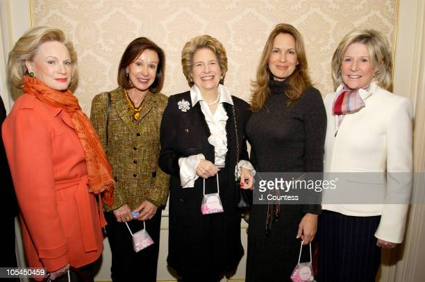 """Charlotte Ford, Sue Bloomberg, Diana Feldman, Chairman of Special Events for the American Cancer Society, Dana Reeve, ACS """"Mother of the Year 2005""""..."""