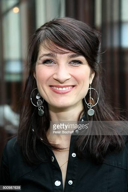 Anna Pihl Auf Streife in Kopenhagen Köln NordrheinWestfalen Deutschland Europa Krimi Serie Portrait Ohrringe Schmuck Schauspielerin Promi BB FTP PNr...