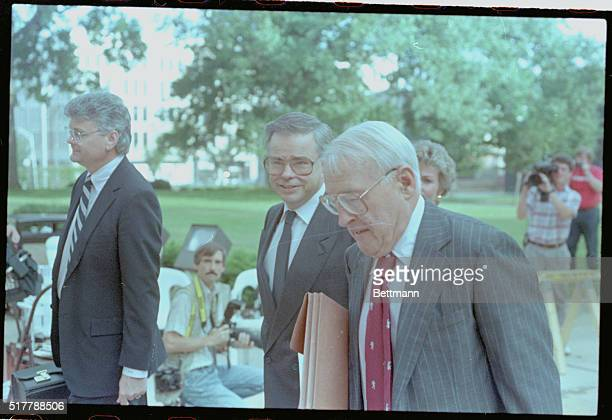 Charlotte North Carolina PTL founder Jim Bakker left on trial for fraud and conspiracy for fund raising efforts at ETL arrives at federal court with...