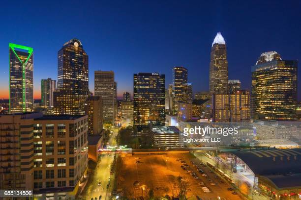 charlotte, north carolina skyline - charlotte - fotografias e filmes do acervo