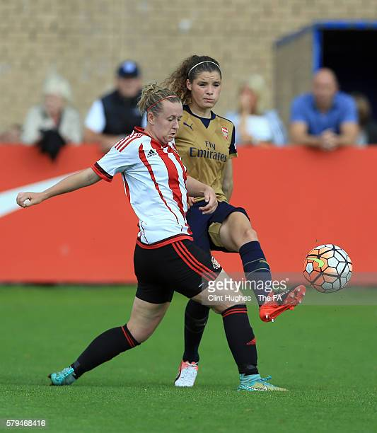 Charlotte Potts of Sunderland AFC Ladies and Dominique Janssen of Arsenal Ladies bttle for the ball during the FA WSL 1 match between Sunderland AFC...