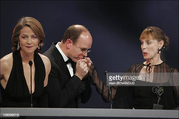 Charlotte Rampling Prince Albert present Susan Farell with her award in Monaco on December 18 2004