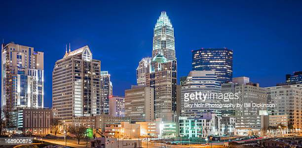 charlotte skyline - north carolina photos et images de collection