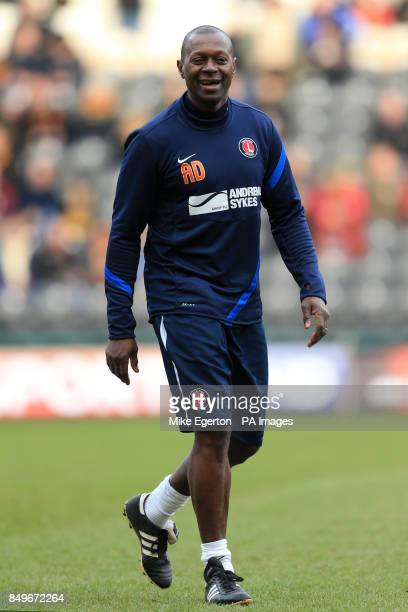 Charlton Athletic assistant manager Alex Dyer during prematch training