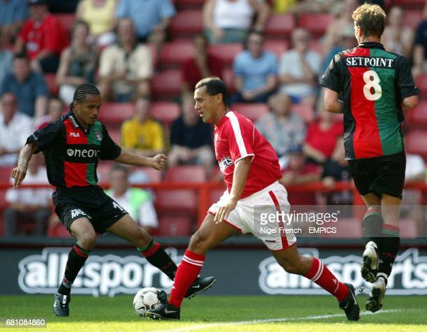 Charlton Athletic's Clive Mendonca tries to get amongst the NEC Nijmegen's defence