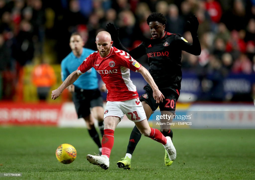 Charlton Athletic v Sunderland - Sky Bet League One - The Valley : News Photo