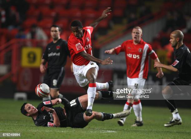 Charlton Athletic's Jose Semedo and Leyton Orient's Sean Thornton battle for the ball
