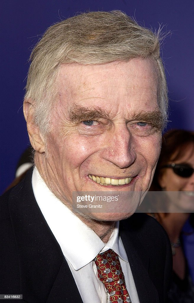 Charlton Heston at the 2002 World Stunt Awards at Barker Hangar, Santa Monica Airport, Santa Monica, California USA, May 19, 2002. Heston announced that he may have Alzheimer's disease in a taped statement, August 9, 2002.