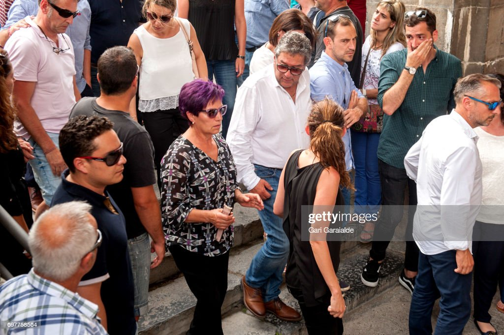 Charo Barros (C), bullfighter Ivan Fandino's mother attends for the funeral of her son on June 19, 2017 in Orduna, Spain.