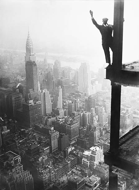 Construction de l 39 empire state building pictures getty - Construction en rondins empiles ...