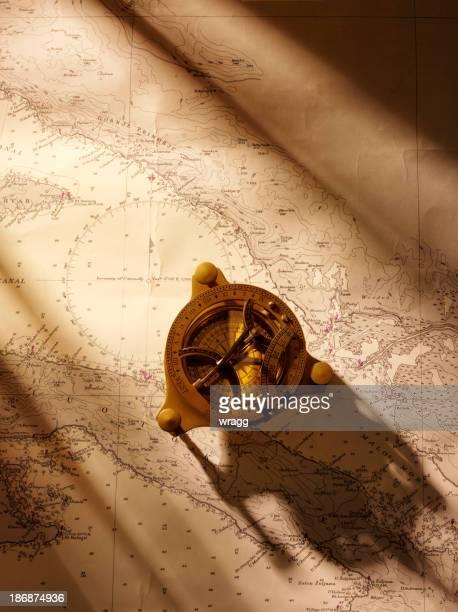 Gráficos de navegación y latón Compass