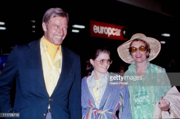 Charton Heston with his wife Lydia and his daughter in Madrid Madrid Spain