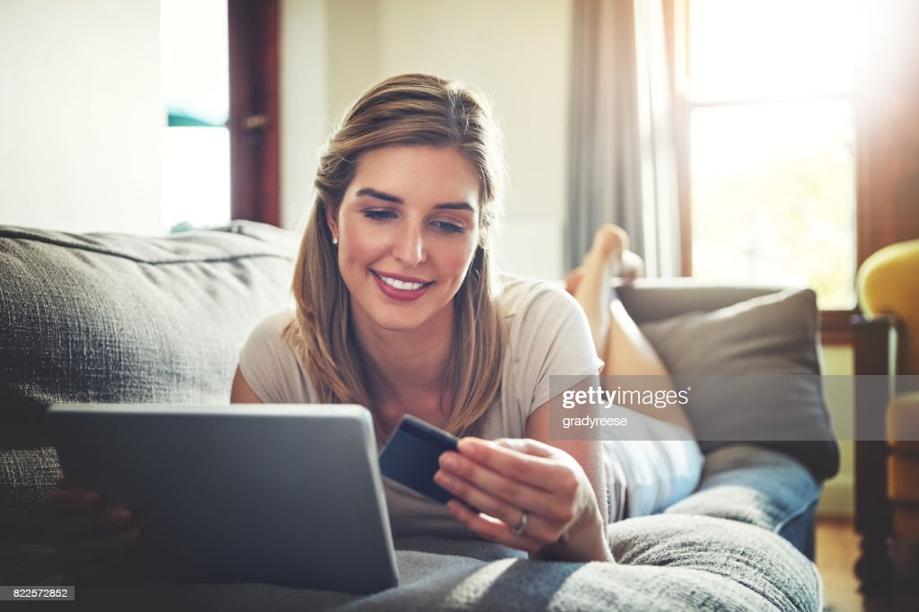 Chase away the Monday blues by shopping online : Stock Photo