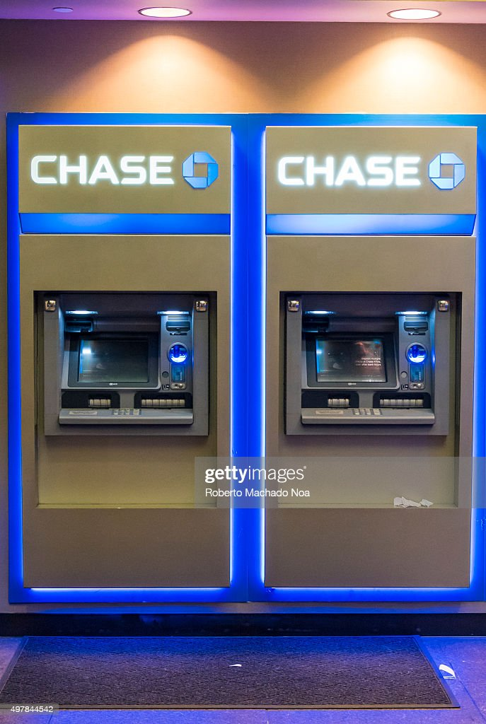 Chase Bank ATMs Or Automated Teller Machines In New York Nachrichtenfoto