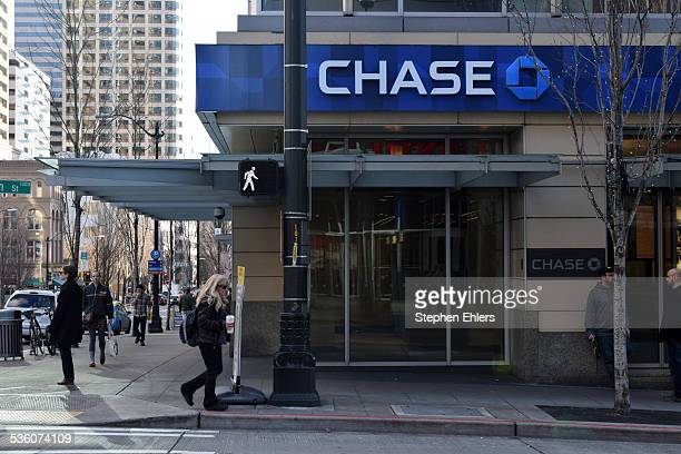 nearest chase bank location