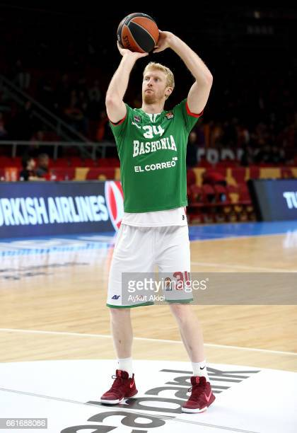 Chase Budinger #34 of Baskonia Vitoria Gasteiz warmsup prior to the 2016/2017 Turkish Airlines EuroLeague Regular Season Round 29 game between...