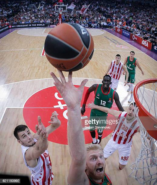 Chase Budinger of Baskonia jump for the ball against Nemanja Dangubic of Crvena Zvezda during the 2016/2017 Turkish Airlines EuroLeague Regular...